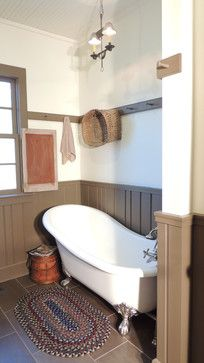 Primitive Bathrooms 803400021007412694 - Love that it's a normal room in which they just happened to put the tub. Farm House Addition farmhouse bathroom Source by Primitive Bathrooms, Primitive Homes, Rustic Bathrooms, Half Bathrooms, Country Farmhouse Decor, Country Primitive, Primitive Decor, Primitive Antiques, Craftsman Farmhouse