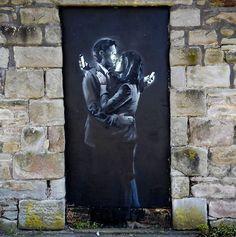 Banksy is a pseudonymous England-based graffiti artist, political activist, film director, and painter. His satirical street art and subversive epigrams . Banksy Graffiti, Street Art Banksy, Banksy Artwork, Street Art Utopia, Bansky, Urbane Kunst, Antiques Roadshow, Amazing Street Art, Street Art Graffiti