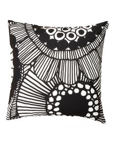 Marimekko Siirtolapuutarha White / Black Throw Pillow Be neighborly. Open up your home and keep it comfy with a throw pillow featuring Maija Louekari's pattern inspired by community allotment gardens. The black on white Marimekko Siirtolapuutarha T. Marimekko, Large Throw Pillows, Large Throws, Cushion Covers, Pillow Covers, Monochromatic Color Scheme, Colourful Cushions, White Cushions, Nordic Design