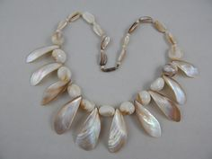 """Vintage Estate Graduated Mother Of Pearl Shell Cleopatra Collar Necklace 20"""""""