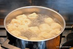 Papanasi fierti cu branza de vaci si pesmet | Savori Urbane Romanian Food, Fondue, Cheese, Sweet, Ethnic Recipes, Sweets, Magick, Candy
