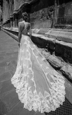 TAYLOR - Alon Livne at Les Trois Souers | Bridal Collection