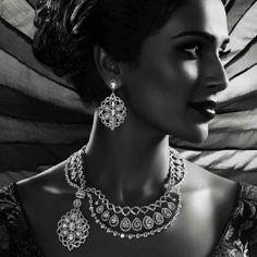 Some very distinctive diamond wedding jewelry. Asian Bridal Jewellery, Indian Jewelry, Wedding Jewelry, Indian Wedding Fashion, Indian Bridal, Indian Fashion, Bridal Bouquet Pink, Diamond Are A Girls Best Friend, Indian Beauty