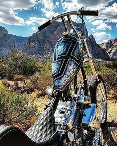 Dang that some sick tank art on Narrow Sporty Frisco Tank! Vintage Motorcycles, Custom Motorcycles, Custom Bikes, Motorcycle Paint Jobs, Motorcycle Tank, Motorcycle Design, Custom Bobber, Custom Choppers, Chopper Motorcycle