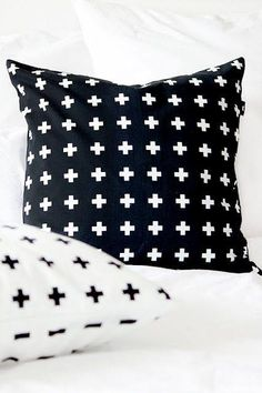 Poduszki w plusiki - skandynawski styl.  Pillows with small crosses - scandinavian style
