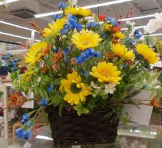 Blue and yellow are so summer and cheerful! Sherrie 2015