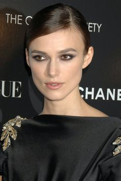 Absolutely love the make up in this picture.Keira pulls off the smokey eye so well ❤️