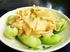 Guangong Pulled the Noodles Cantonese Cuisine, Made Goods, How To Cook Pasta, Dumplings, Chinese Food, Hospitality, Food Print, Noodles, Macaroni And Cheese