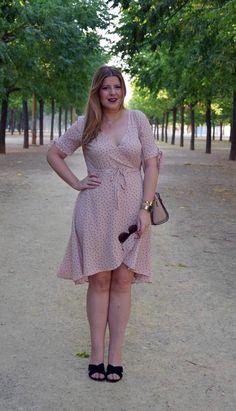 Descubre mi último look en el blog. Cómo combinar un vestido cruzado o wrap, y a qué tipo de cuerpo favorece más. Uno de tus básicos en la lista de shopping Descubre mi último look en el blog. Cómo combinar un vestido cruzado o wrap, y a qué tipo de cuerpo favorece más. Uno de tus básicos en la lista de shopping Sevilla Personal shopper