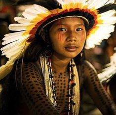 Indigenous peoples in Brazil - by Tatiana Cardeal We Are The World, People Around The World, Arte Plumaria, Xingu, Indigenous Tribes, Tribal People, Thinking Day, Cultural, World Of Color