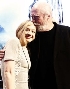 Emily Kinney & Scott Wilson omg how precious! its hershel !! and his daughter beth :) - the walking dead
