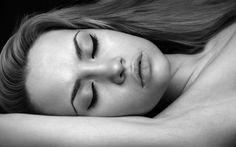 Angelina Jolie Sleeping Check more at http://hdwallpaperfx.com/angelina-jolie-sleeping/