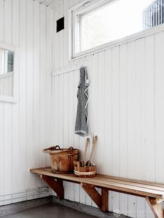 Pool Shed, Laundry In Bathroom, Town And Country, Coastal Style, Clawfoot Bathtub, New Trends, Beach House, Entryway, Sweet Home