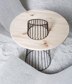 SYNTHESIS table bois métal par le Studio Presek Design