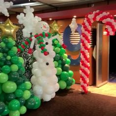 Lollipop Decorations, Christmas Party Decorations, Christmas Tree Themes, Birthday Party Decorations, Balloon Tree, Balloon Gift, Christmas Balloons, Christmas Swags, Xmas Crafts