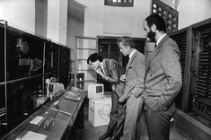 1985/05/__ Steve is shown the Z3, the world's first working programmable, fully automatic digital computer in Germany.