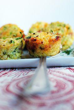 Mini Ham and Cheese Quinoa Cups #breakfast #breakfastrecipe #recipe @Iowa Girl Eats | iowagirleats.com