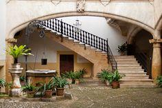 Courtyard in Palma de Mallorca  Photo by ConnyvdHvL