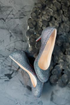 Sparkly shoes: http://www.stylemepretty.com/new-york-weddings/new-york-city/nyc-new-york-city/2015/03/31/elegant-new-york-city-wedding-at-morningside-castle/ | Photography: Mademoiselle Fiona - http://www.mademoisellefiona.com/
