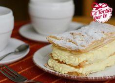 Presentare questo dolce è tanto semplice quanto prepararlo: la #millefoglie.  Un dessert golosissimo, una #merenda fresca per l'estate.   Scopri la ricetta...