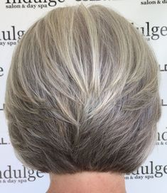 Frisuren Straight Cut Slacked Bob Regrow Hair Naturally It is not impossible to regrow hair naturall Short Grey Hair, Short Hair With Layers, Short Hair Cuts, Short Wavy, Medium Curly, Long Layered, Grey Hair Bob, Medium Layered, Long Pixie