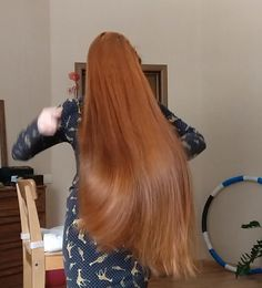 VIDEO - Ekaterina - RealRapunzels Long Hair Models, Long Hair Play, Playing With Hair, Making Waves, Hair Brush, New Model, How Beautiful, Her Hair, Madness