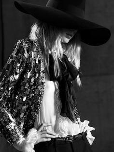 Julia Nobis voor Saint Laurent Paris s/s 2013 - foto: Hedi Slimane