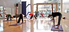 De todos es sabido los múltiples beneficios que presenta practicar yoga. Hoy te acercamos más a esta práctica con estas clases de yoga online. > http://formaciononline.eu/clases-de-yoga-online/