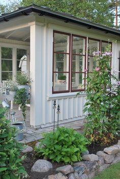 Vitt hus med vita knutar: Sommar i Paviljongen...