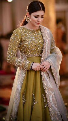 Pakistani Party Wear Dresses, Beautiful Pakistani Dresses, Shadi Dresses, Pakistani Wedding Outfits, Designer Party Wear Dresses, Pakistani Bridal Dresses, Pakistani Dress Design, Bridal Lehenga, Designer Wear