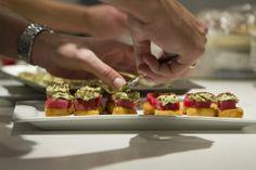 Tiradito de Atún del Ñuro con croquetas de arroz para sushi y sabores Nikkei