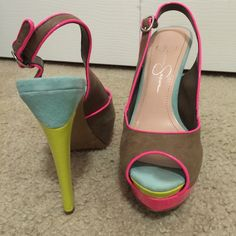 Jessica Simpson platform Used! Great condition. Use offer button for 50% off Jessica Simpson Shoes Platforms