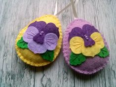Felt easter decoration - felt egg with pansy flower Listing is for 1 ornaments Options: - yellow background - lilac background Handmade from wool blend felt Size of my decorated eggs is about 2 x 2 inch x cm) This is size of felt egg without hanging loop Felt Ornaments, Christmas Ornaments, Lilac Background, Felt Gifts, Felt Decorations, Egg Decorating, Pansies, Easter Crafts, Wool Felt