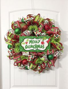 **PLEASE READ ALL DETAILS BEFORE PURCHASING** Christmas Wreath, Grinch Wreath, Light Up Christmas Wreath, Lighted Christmas Wreath, Merry Grinchmas, Holiday Wreath, Christmas Decor The colorful and fun Grinch wreath will be a great addition to your Christmas decor. So cute!