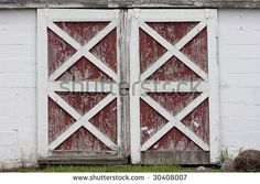 stock-photo-rustic-old-red-and-white-barn-doors-with-peeling-paint-30408007.jpg (450×320)