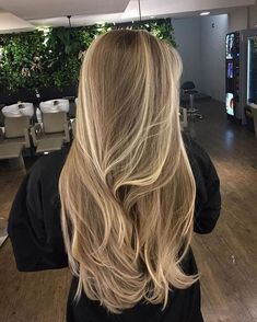 Blonde Hair Looks, Brown Blonde Hair, Blonde Hair With Layers, Long Blond Hair, Blonde Balayage Long Hair, Blonde Hair Lowlights, Thick Long Hair, Blonde Straight Hair, Brown To Blonde Hair Before And After