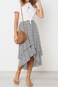 Be in Love Ruffle Skirtsummer fashion summer outfit summer outfit ideas skirt maxi skirt high low skirt sandals casual style date outfits day outfits for summer casual outfits for summer outfits with skirts Modest Outfits, Modest Fashion, Fashion Outfits, Fashion Trends, Fashion Skirts, Casual Skirt Outfits, Fashion Ideas, Casual Skirts, Fashion Styles