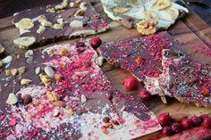 Bruchschokolade selber machen - mit vielen feinen Varianten Sweet Like Chocolate, Food Porn, Hawaiian Pizza, Diy Food, Bakery, Xmas, Christmas, Sweets, Healthy Recipes