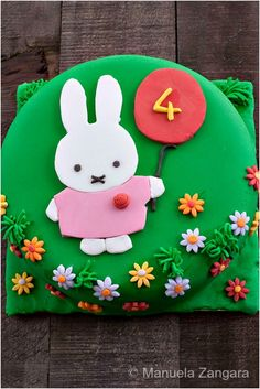 Top 10 DIY Darling Birthday Cakes For Girls Throwing a birthday party for a young daughter is a special event and a gift for the parents on its own, but to make it special for the child as well, you Happy Birthday Cakes, Birthday Cake Girls, 4th Birthday, Birthday Parties, Miffy Cake, Chocolate Brownie Cake, Bunny Party, Cake Toppings, Girl Cakes