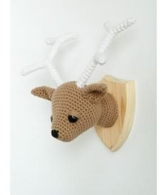 Handmade crocheted deer head made by #madebyMaike