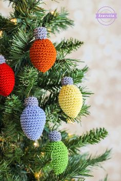 Christmas Lights Crochet Ornament 25 Days of Christmas Traditions Crochet-a-Long Free Pattern from Sewrella Crochet Christmas Decorations, Crochet Ornaments, Xmas Ornaments, Christmas Lights, Christmas Crafts, Homemade Ornaments, Christmas Christmas, Free Christmas Crochet Patterns, Crochet Ornament Patterns