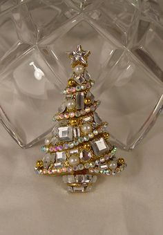 OOAK Gorgeous Christmas Tree Brooch Holiday Pin by Jewelsofnile