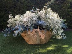 Selecting The Flower Arrangement For Church Weddings – Bridezilla Flowers Floral Wedding, Wedding Bouquets, Wedding Flowers, Rustic Wedding Centerpieces, Wedding Decorations, Beautiful Gardens, Beautiful Flowers, Gypsophila, Flowers Nature
