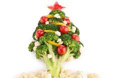 La Navidad puede ser sana si nos preparamos con tiempo. Se acercan las festividades navideñas y para evitar los aumentos de peso debidos a comilonas desmedidas en estas fechas, vamos a repasar los ...