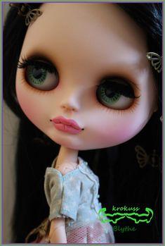 Reserved for Shannyn Blythe custom doll faceplate Laura por krokuss