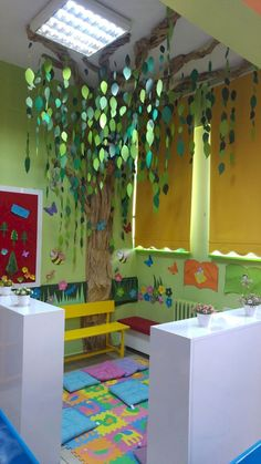Leseecken fr Kinder -Fantastische Leseecken fr Kinder - Diy Artificial Ivy Leaf Garland Plants Fake Foliage Flowers Home Decor 15 Ideas Decor Classroom Preschool Reading Areas For 2019 8 egyszerű ötlet, hogy hogyan dekoráljatok osztálytermet Reading Corner Classroom, Classroom Setting, Classroom Door, Classroom Design, Classroom Displays, Kindergarten Classroom, Reading Corner Kids, Toddler Classroom Decorations, Forest Theme Classroom