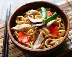 A great healthy and easy chicken lo mein.  I'm going to try this tonight with my Bountiful Asian pack.
