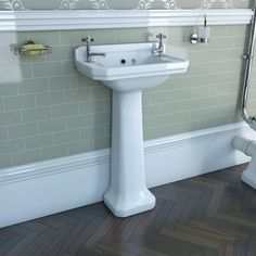 Camberley 2TH Cloakroom Basin & Pedestal. smaller as cloakroom. victoria plumb £159 ( £69.99 at moment)
