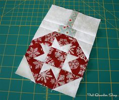 Deck-ade the Halls: Vintage Ornaments - Fat Quarter Shop's Jolly Jabber