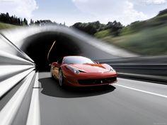 Papel de Parede - Ferrari - 458 Italia Vermelha na Estrada